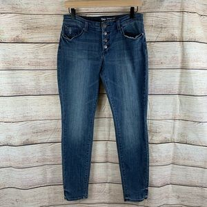 Gap Medium Wash Hight Rise Button Fly Skinny Sz 6